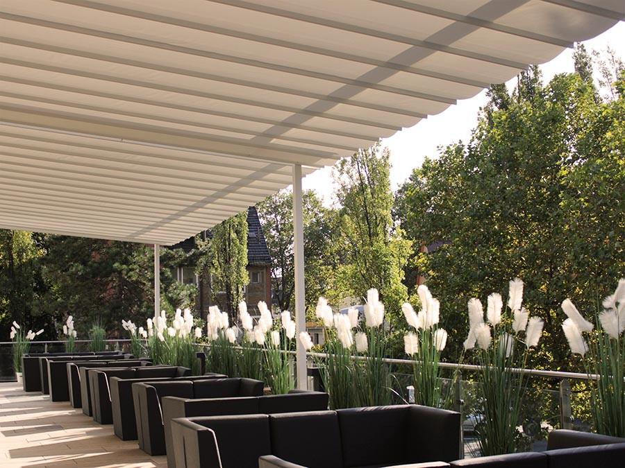 Sonnensegel für Terrassen: VELUSOL - Das Wettersegel | Freiburg 2