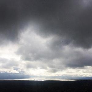 Sonnensegel halten Regen ab, bei Sturm, Unwetter oder Schnee sind Regeln zu beachten.